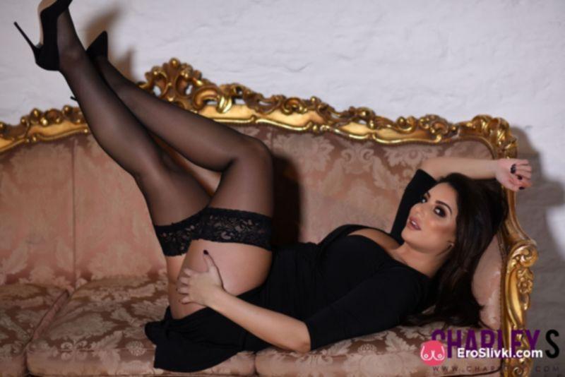 Европейского пошива модель Шарлотта демонстрирует роскошные дойки и сладкую попочку - фото